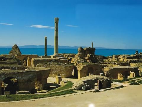 Руины Карфагена одна из основных достопримечательностей Туниса