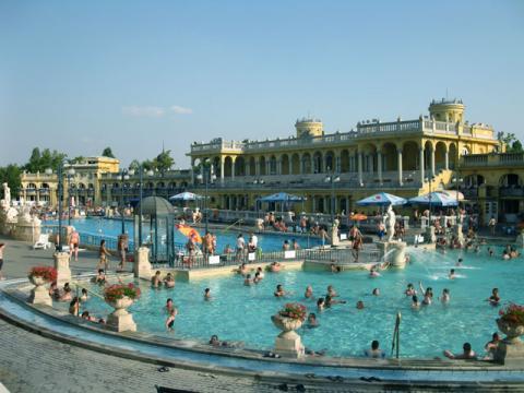 Знаменитые термы Будапешта известны всей Европе