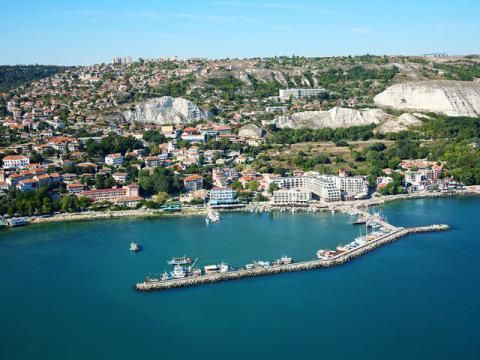 Курорты Болгарии выглядят очень уютно.