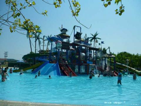 Место, в которое обязательно нужно поехать в Греции с ребенком – это аквапарк