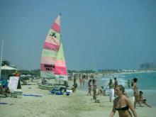 Апрель в ОАЭ подходяще время для пляжного отдыха