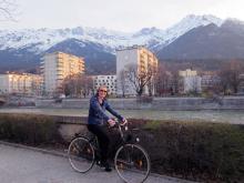 В горах Австрии еще лежит снег, а на равнине уже достаточно тепло