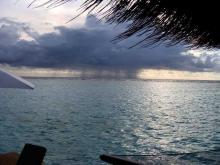 Так выглядит дождливая погода на Мальдивах