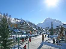 Один из самых больших во Франции горнолыжных курортов Ле Дез Альп
