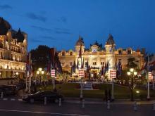 Известнейшее казино в Монте-Карло всегда готово встретить гостей.