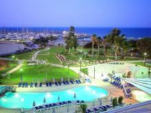 Кипр отель вечером