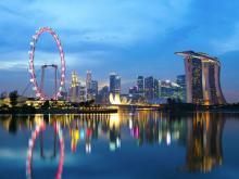 Во время поездки, совершите экскурсию по ночному Сингапуру