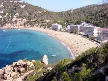 Один из пляжей в Испании – идеально для семейного отдыха