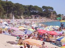 Пляж курорта Ллорет де Мар возле Барселоны
