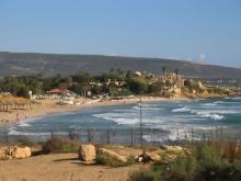 Пляж на Средиземноморском курорте Нагария - Израиль