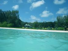Пляж Волберт находится на острове Праслин