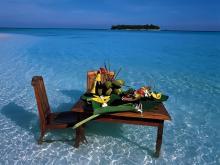 Романтический ужин на Мальдивах. Кушать подано
